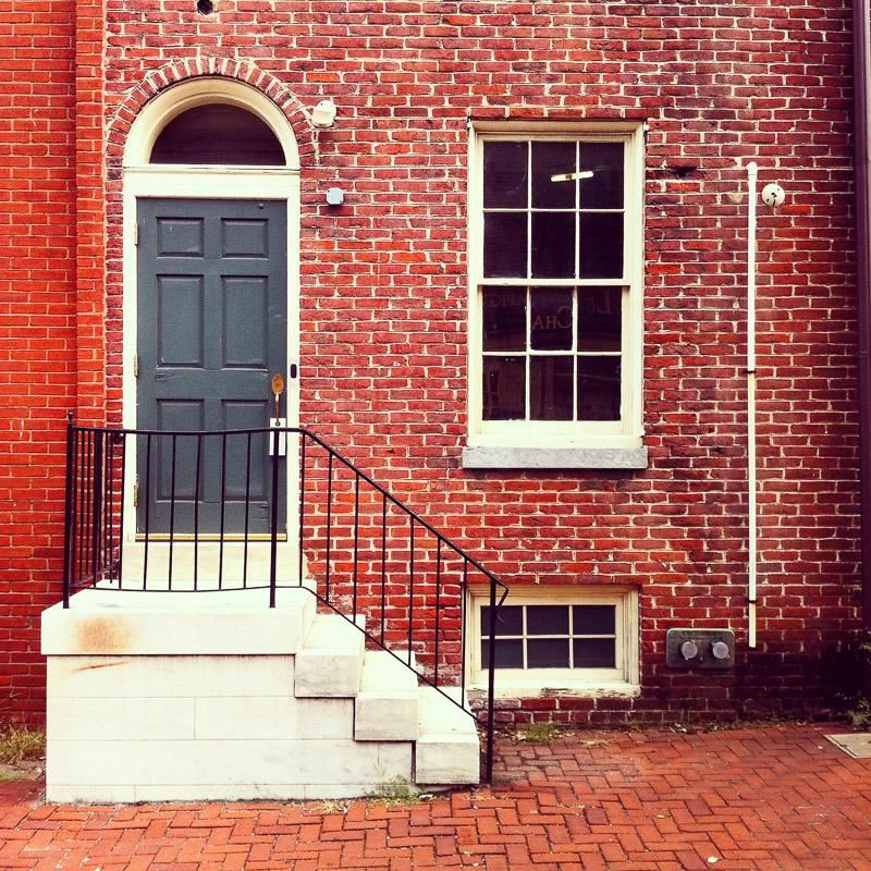 Maison en brique rouge maison en briques rouges situe rue - Maison en brique rouge ...